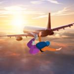 Висадили з літака і дали парашут – бо не вакцинований ?